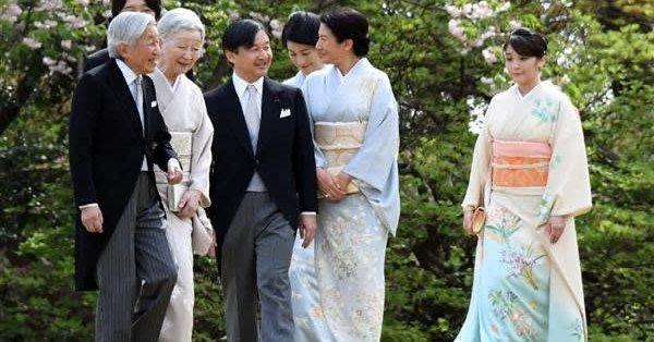 日本だけでなく、プリンセスといえばファッションのお手本となる存在。 雅子様ももちろんのこと、イギリスのキャサリン妃なんかもしょっちゅう取り上げられますね